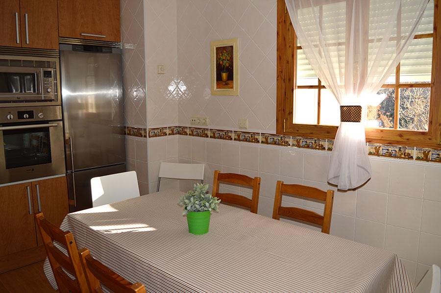 Casa-Rural-El-Balcon-de-Siete-Picos-cocina-3