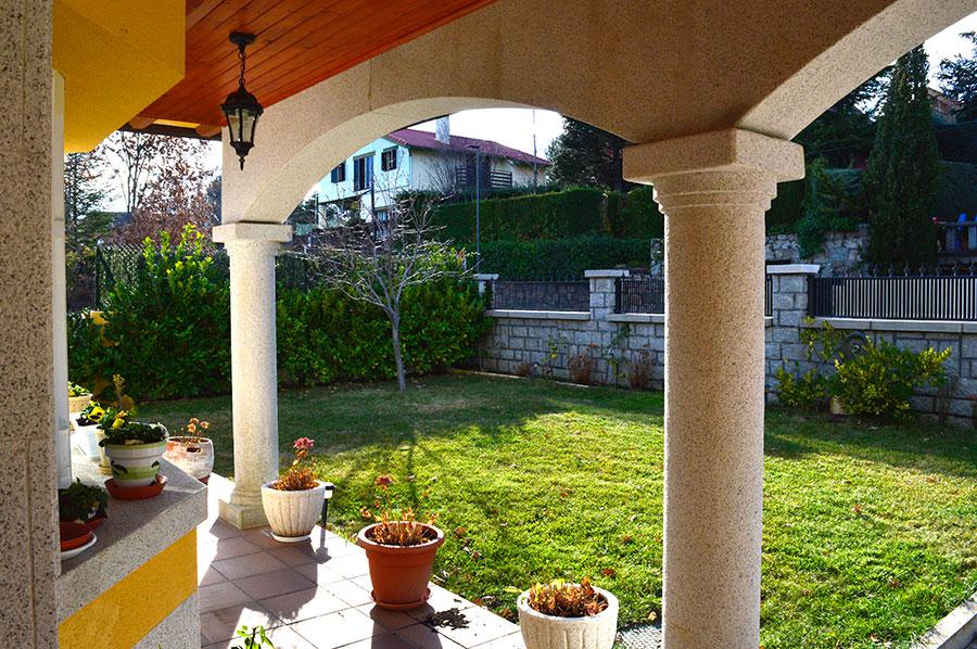 Casa-Rural-El-Balcon-de-Siete-Picos-entrada