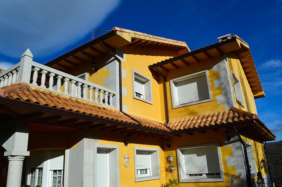 Casa-Rural-El-Balcon-de-Siete-Picos-fachada-3