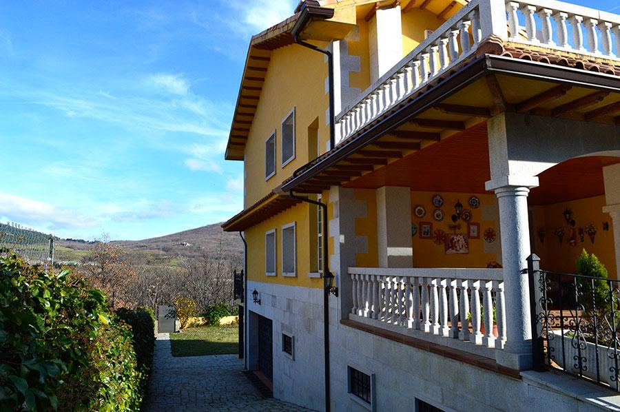 Casa-Rural-El-Balcon-de-Siete-Picos-fachada-4