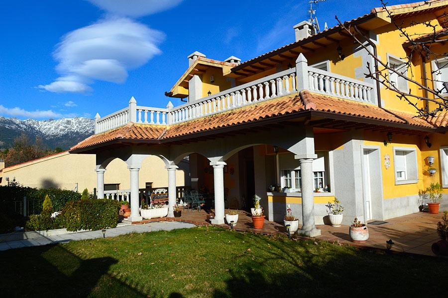 Casa-Rural-El-Balcon-de-Siete-Picos-fachada