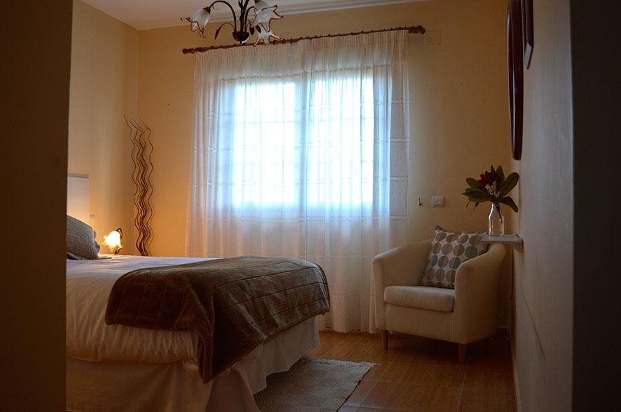 Casa-Rural-El-Balcon-de-Siete-Picos-habitación-principal-2