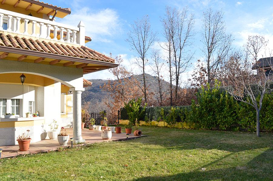 Casa-Rural-El-Balcon-de-Siete-Picos-jardin-3