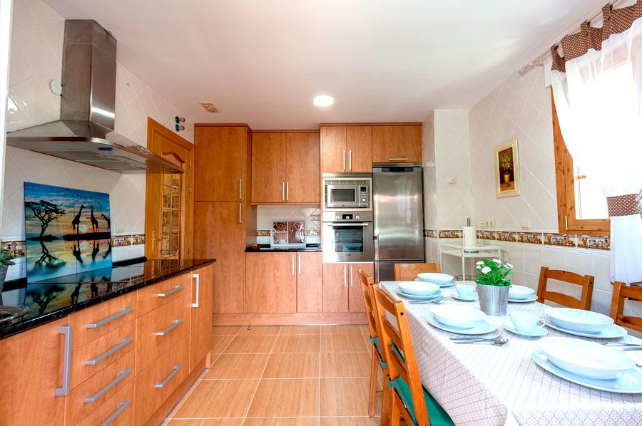 Casa-Rural-El-Balcon-de-Siete-Picos-cocina