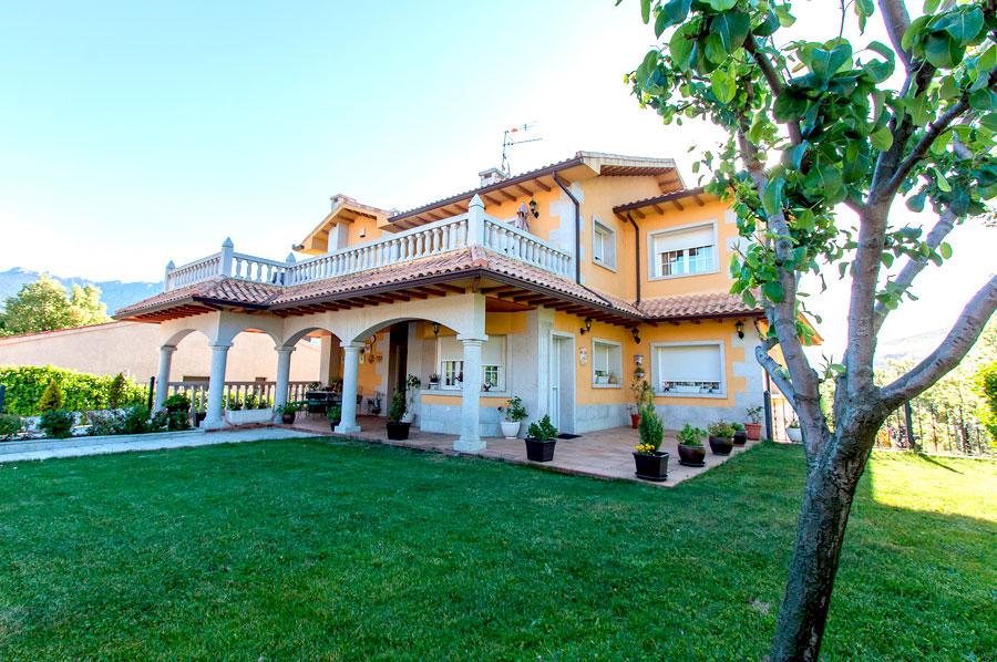 Casa-Rural-El-Balcon-de-Siete-Picos-jardin7